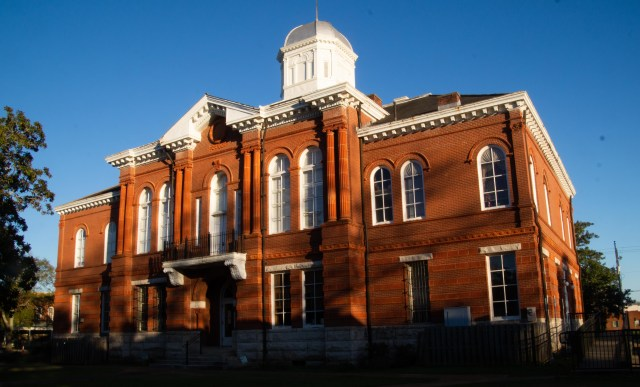 Sumter County Courthouse, Livingston, Alabama