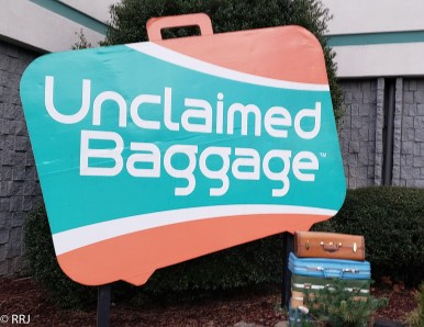 Unclaimed Baggage  Scottsboro Alabama