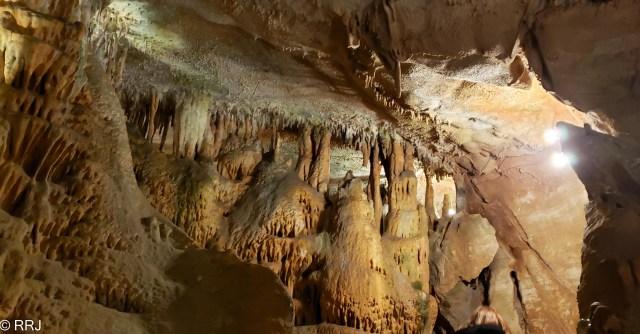 Rickwood Caverns formation