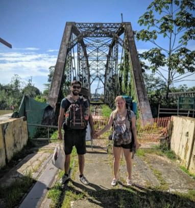 Alte Brücke an der Grenze zwischen Costa Rica und Panama