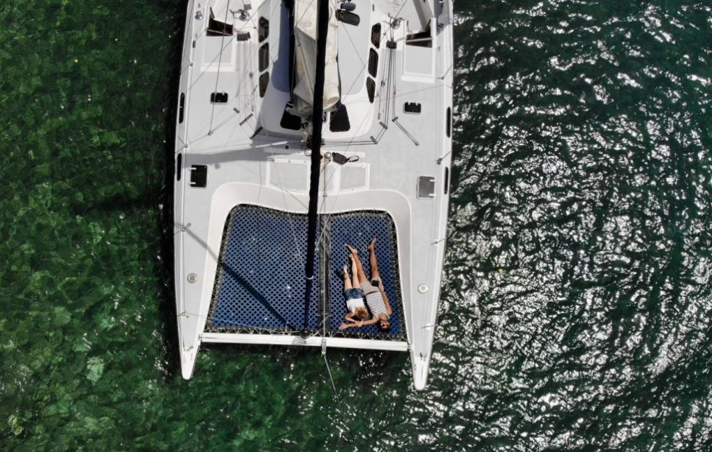Segel-Ausflug in Placencia, per Drohne