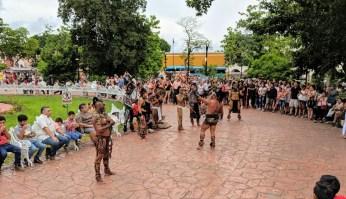 Tänzer auf dem Zocalo Valladolid