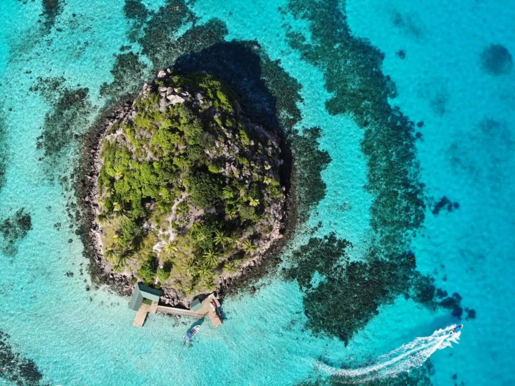 Crab Cay per Drohne, Providencia