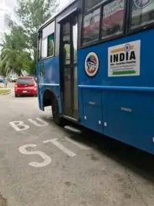 Bus auf Praslin
