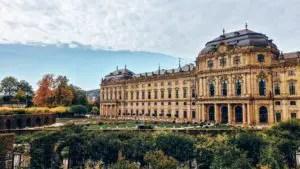 Blick auf die Residenz in Würzburg (Bayern Sehenswürdigkeiten)