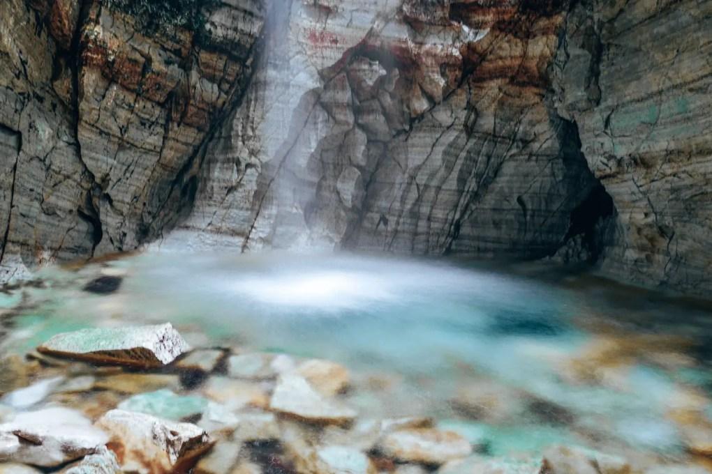 Trollkirka | abenteuerliche Wanderung zu den Höhlen der Trollkirche