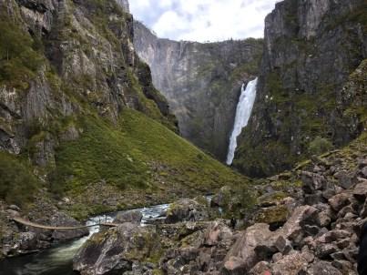Voringfossen Wanderung mit Blick auf den Wasserfall