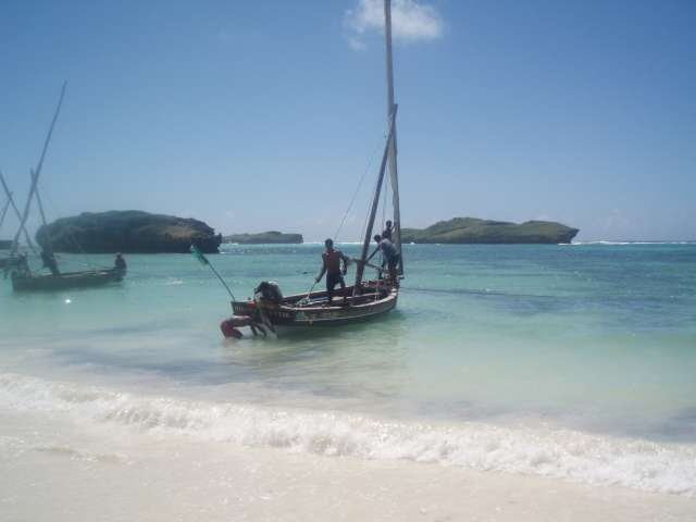 dhow-indian-ocean-beach-kenya.jpg