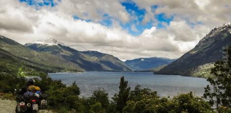 Στη ruta 40, θέα προς τη λίμνη Mascardi