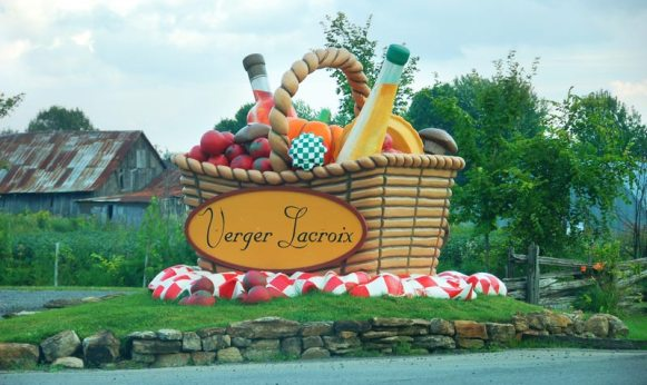 Giant fruit basket in Saint-Joseph-du-Lac, Québec