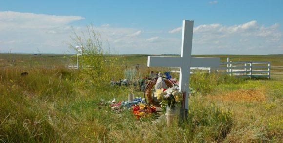 graves at Blackfoot Crossing