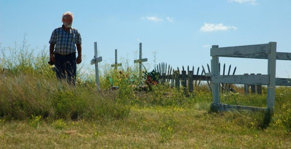 graves at Blackfoot Crossing