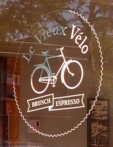 Le Vieux Vélo Montreal breakfast diner