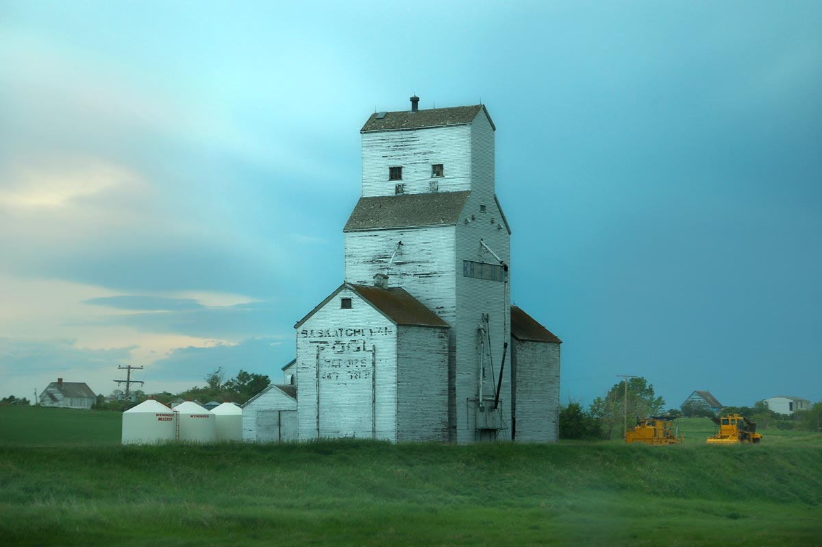 2-Battrum-Sask-grain-elevator