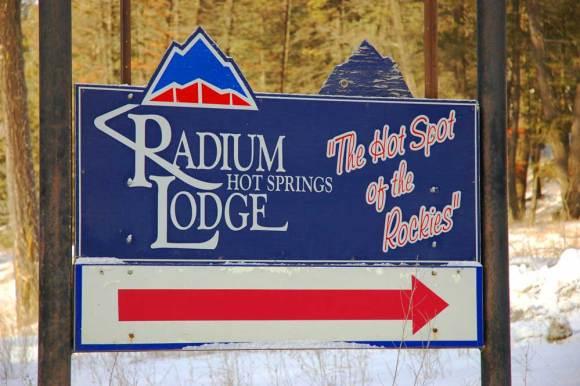 Radium-Hot-Springs-Lodge-old-sign