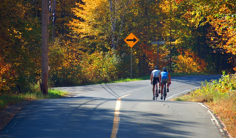 Fall-colors-cyclists