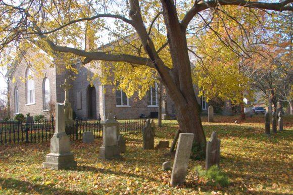 church and cemetary Niagara war-of-1812