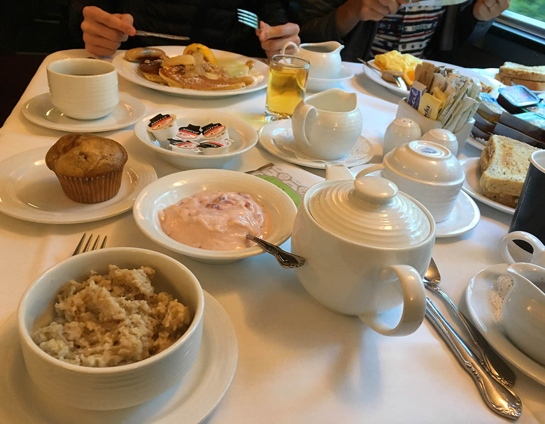 VIA Rail breakfast