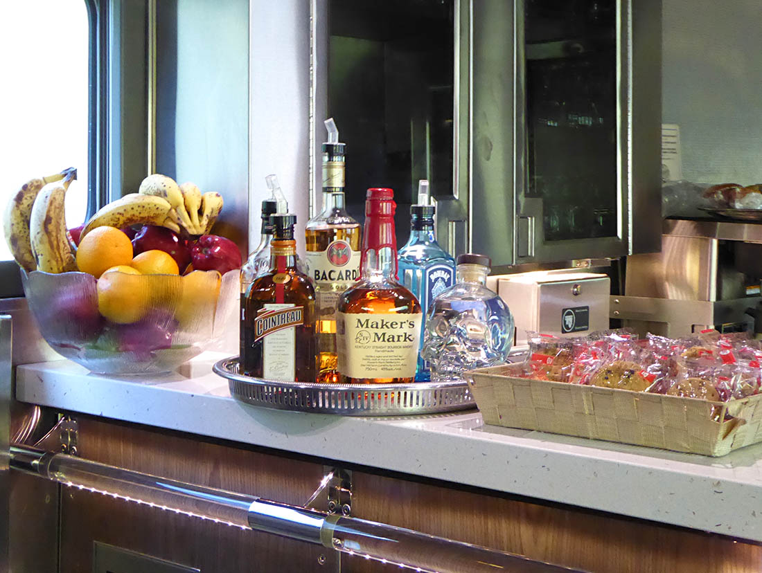VIA Rail prestige bar