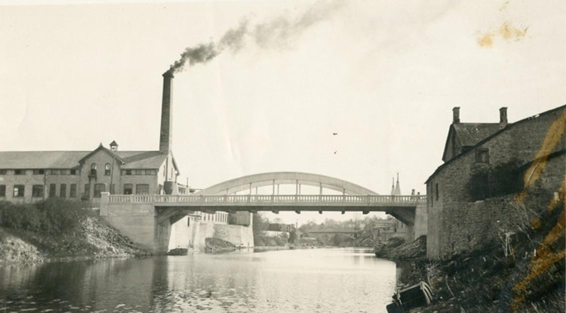Charles Mattaini Bowstring Bridges_St. David Street bridge Fergus