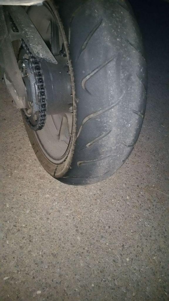 Les pneus d'origine de la Tracer
