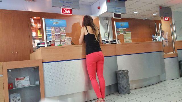 Jeux de grattage dans le bureau de LaPoste à Athènes