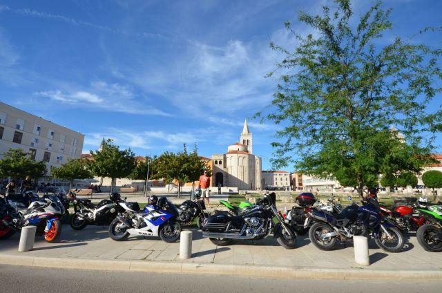 Rassemblement de motards à Zadar