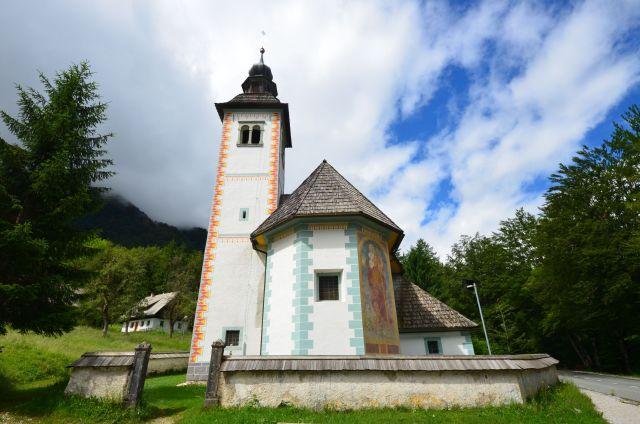 Cerkev Sv. Duh, le long du Bohinjsko Jezero