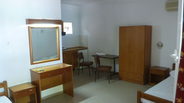 "Notre chambre ""vieillotte"" du Campsite Poseidon Beach"