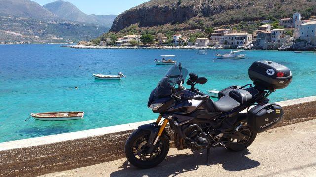 La Tracer à Limeni - Grèce