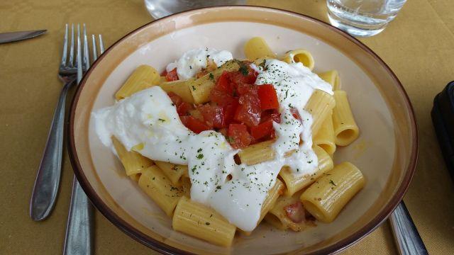 Plat de pâtes au restaurant Il Rosmarino