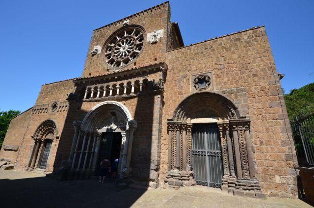 Basilique sainte-Marie majeure - Tuscania