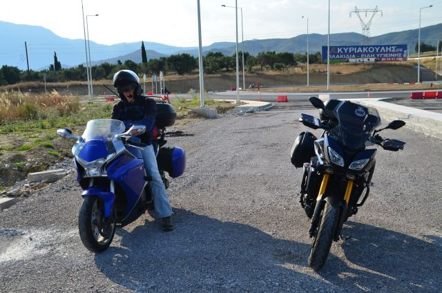 Nous devant le pont de Rion-Antirion - Grèce