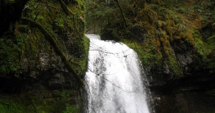 Moon Falls, Lane County