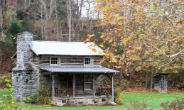 ea1d8f8c55a1a727a05be59c39ab93b9--old-cabins-tiny-cabins