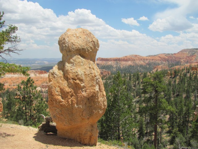 Views From the Fairyland Loop Trail in Bryce Canyon National Park