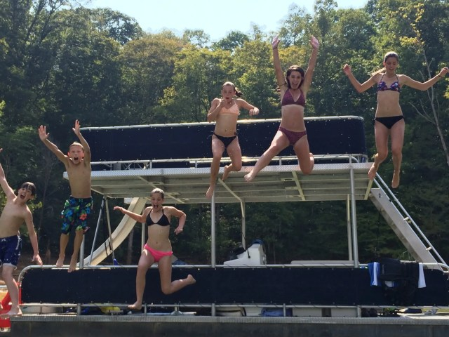 Party Pontoon Rental Shanghai Marina Norris Lake, Tennessee