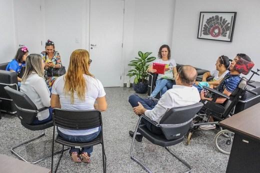 Mulheres agradecem deputado Cirone Deiró pela criação da semana estadual da mãe atípica