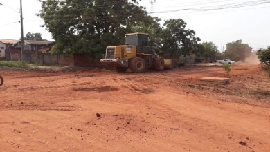 Prefeitura de Pimenta Bueno realiza operação cidade limpa no Bairro Jardim das Oliveiras