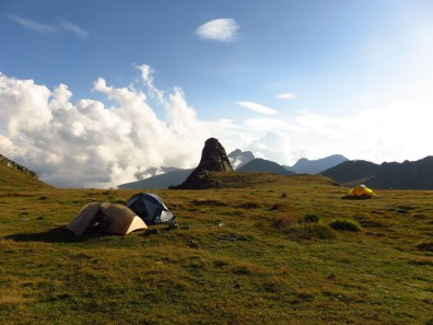Camping next to Turnul Paltinu