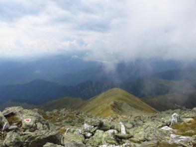 Descending from Rosu Peak towards Curmatura Oticului
