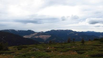 The main ridge, mine and caldera - unfortunately visibility was quite low