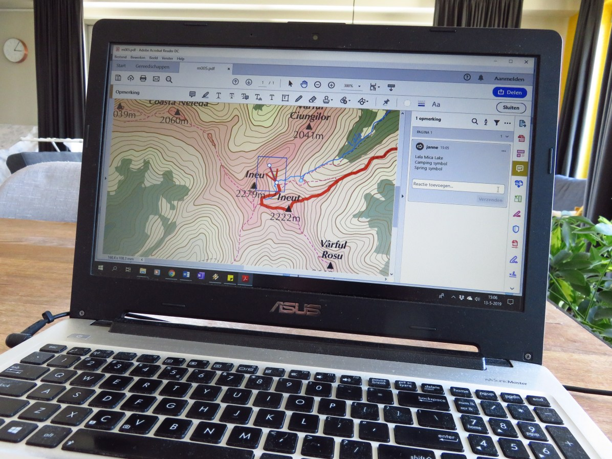 Editing the maps in Acrobat Reader - very laborious