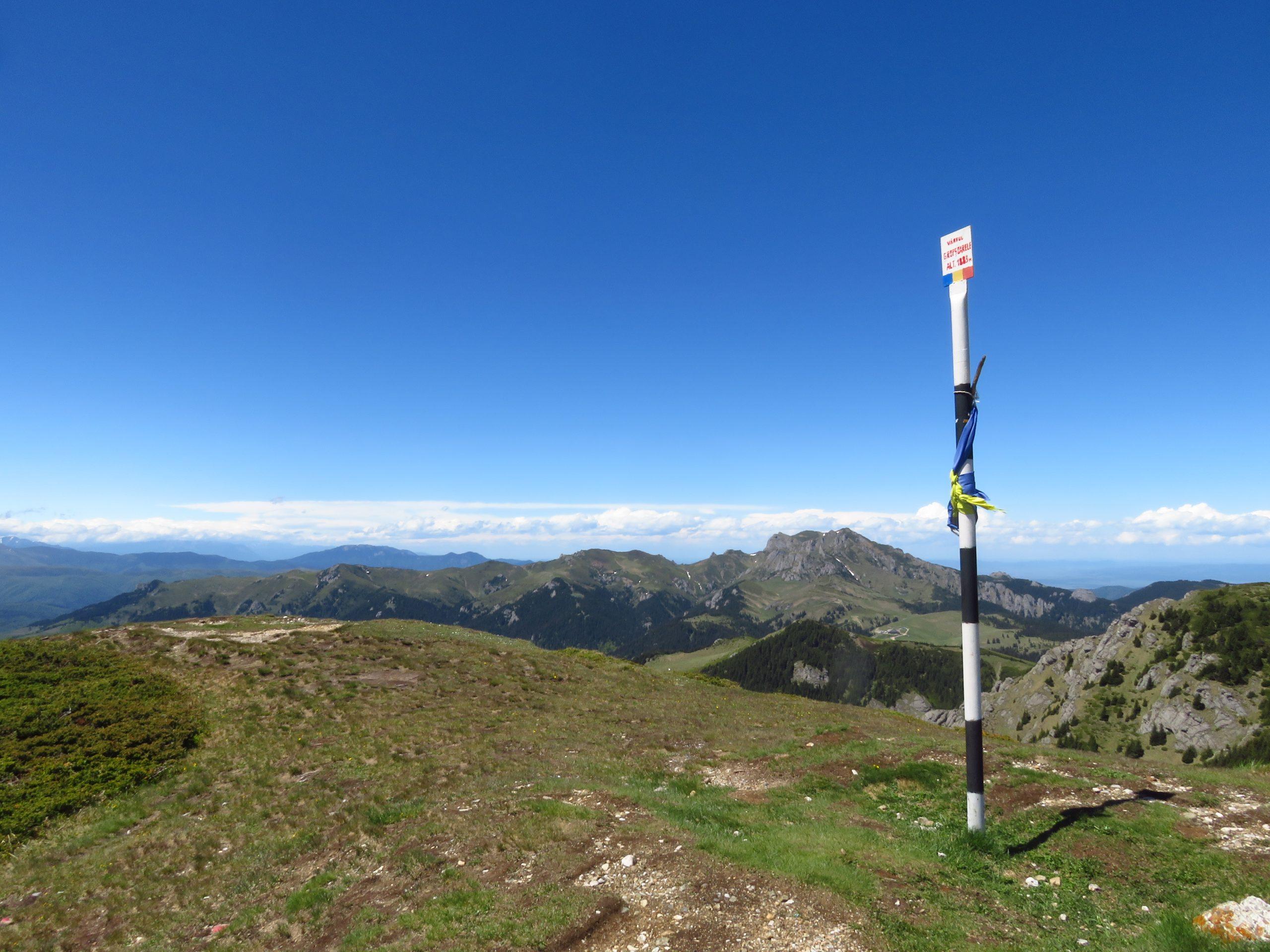 ciucas mountains romania gropsoarele peak