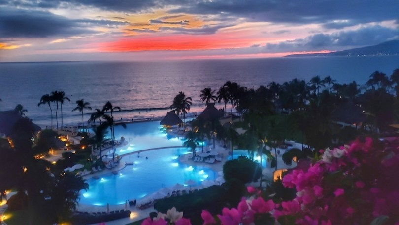 best-mexico-resort-solo-travel-roamilicious