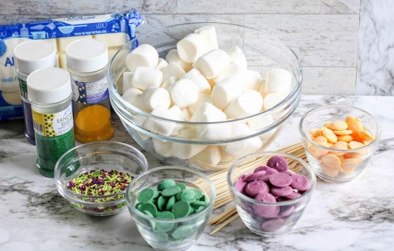 Mardi-Gras-Marshmallow-dessert-party-roamilicious