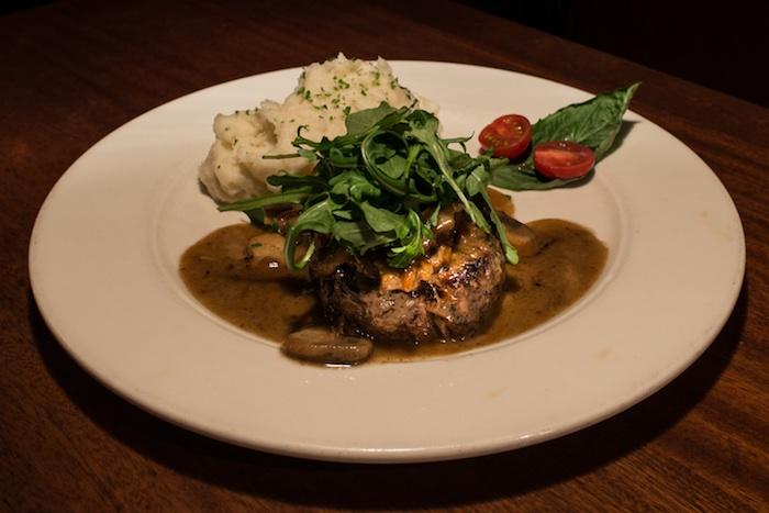 village-tavern-steak-dinner