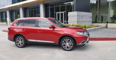 mitsubishi outlander 2018 suv review