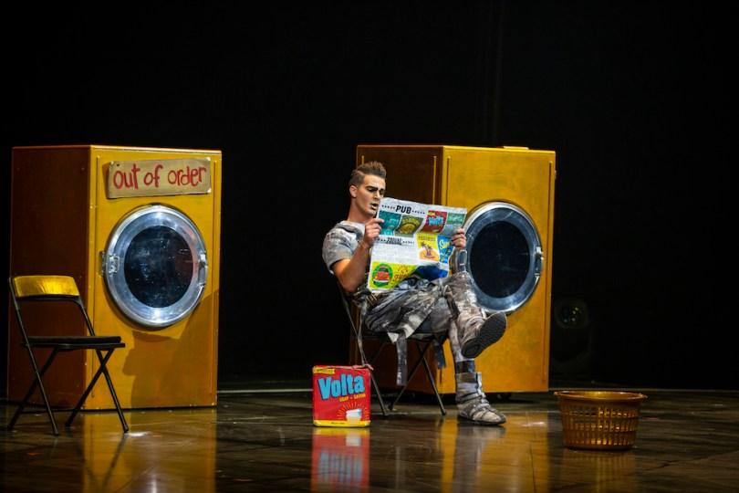 comedy-cirque-du-soleil-roamilicious
