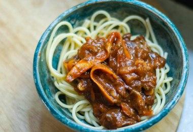 vegan-carrot-bolognese-recipe-roamilicious
